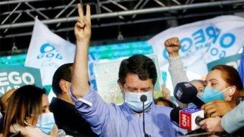 La centro-izquierda chilena ganó la capital y gobernará 10 de las 16 regiones