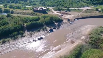 Bajante del río Paraná desde un drone: imágenes de un arroyo de Diamante