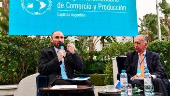El ministro Guzmán confió que la inflación se desacelerará y pidió inversiones