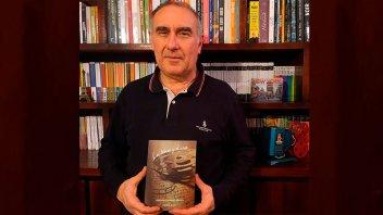 """Gustavo Labriola presentó su primera obra escrita: """"Los libros y el cine"""""""