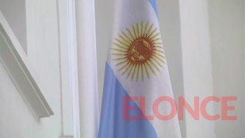 """La promesa de lealtad a la Bandera será """"por burbujas"""" en escuela de Paraná"""