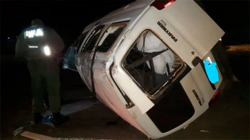 Dos entrerrianos sufrieron heridas tras volcar un utilitario en Autovía 14