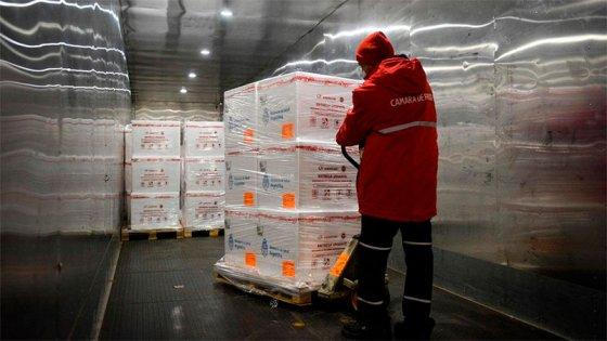 Distribuyen dosis de Astrazeneca llegadas el lunes: Entre Ríos recibirá 34.100