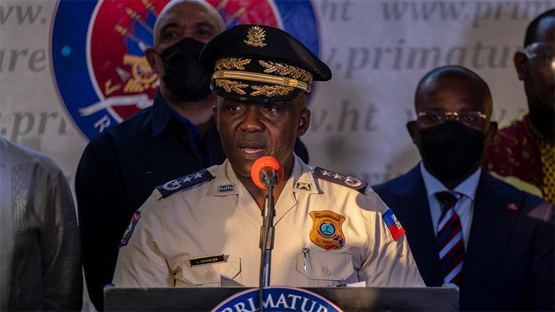 El director de la Policía Nacional de Haití, Léon Charles
