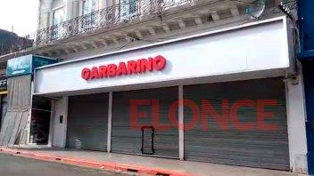 A puertas cerradas, empleados de Garbarino Concordia siguen cumpliendo funciones