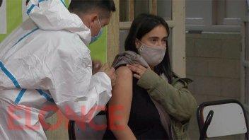 El 50% de la población argentina se aplicó al menos una dosis contra el covid-19