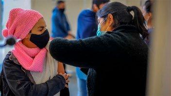 Coronavirus: avanza la campaña para completar la vacunación y llegar a menores