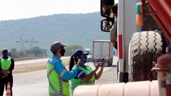 Vacaciones: Despliegan más de 30 puestos se seguridad en 13 rutas argentinas