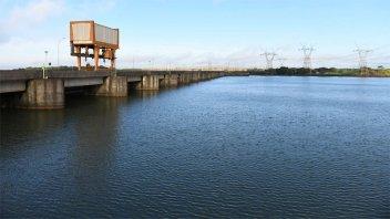 Río Paraná: Itaipú descargará poca agua pero espera