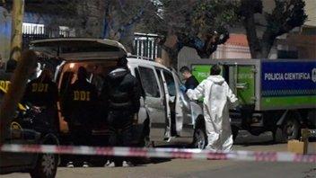 Asesinaron a oficial de la Policía Federal y dejaron un mensaje mafioso