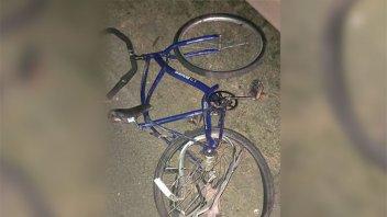 Ciclista fue internado en grave estado tras ser chocado por un remis