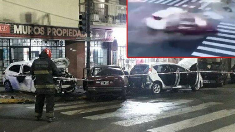 Video de impactante choque múltiple: una mujer muerta y un auto prendido fuego