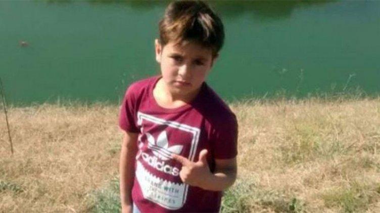 Hallaron muerto a un niño de 7 años que había desaparecido junto a su padrastro