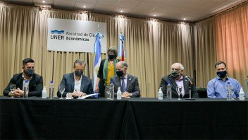 Se firmaron convenios para nuevas obras de la Universidad Nacional de Entre Ríos