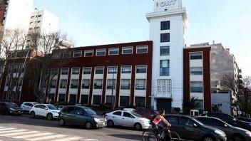 Covid: escuela porteña suspendió la presencialidad por brote de variante Delta