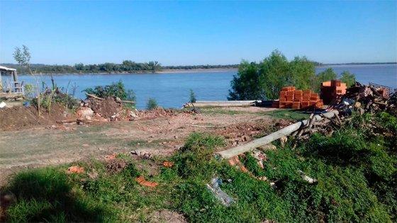 Desalojaron una construcción ilegal en zona de Puerto Sánchez
