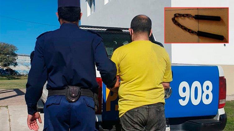 Detuvieron a sujeto que atacó con un nunchaku a un policía y a un vecino