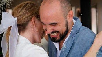 Se casaron Abel Pintos y Mora Calabrese