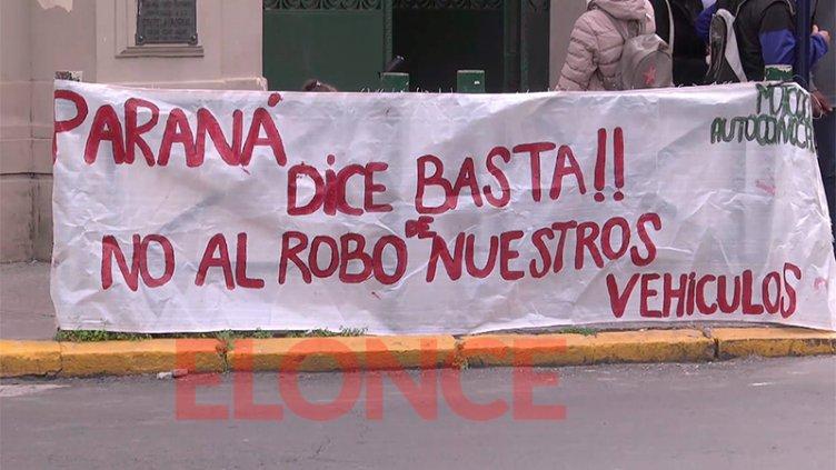 """""""Es inconstitucional"""": motociclistas denuncian """"saqueo masivo de motos"""""""