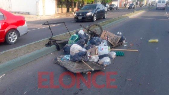 Triple choque en avenida Ramírez: hospitalizaron a hombre que llevaba un carrito