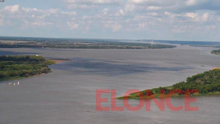 Repuntó el río Paraná y desapareció el