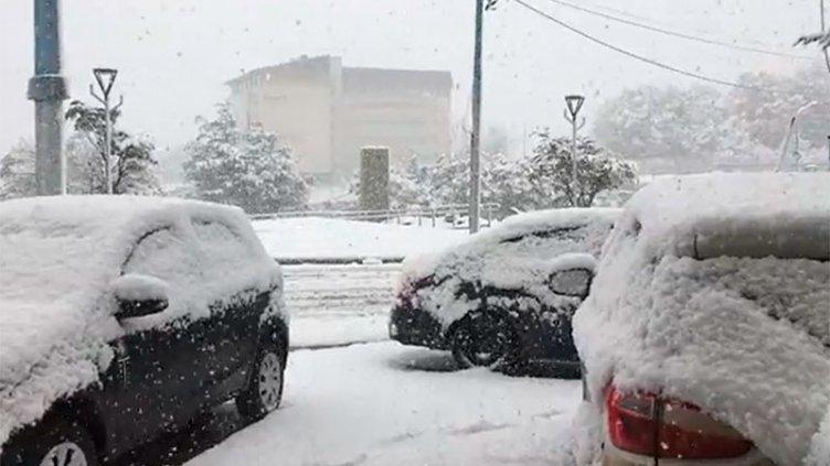 Una nevada cubre de blanco a Ushuaia en plena primavera: imágenes