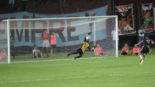 Atlético Paraná ganó por penales en Santa Fe. (Foto: El Diario)