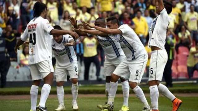 Dinho es alabado por sus compañeros del Querétaro.