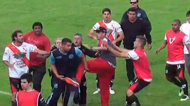 Graves incidentes en el partido entre Luján y San Telmo.