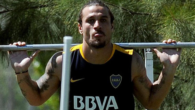 Daniel Osvaldo, con chances de volver al fútbol y sumarse a Banfield.