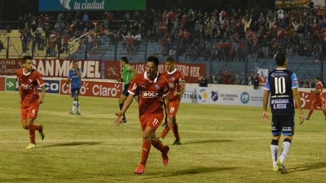 Buen debut del Rojo en la Copa Argentina, único certamen que peleará en el año.