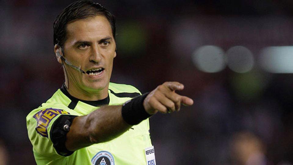 Mauro Vigliano controlará a Boca en su visita ante Argentinos en La Paternal.