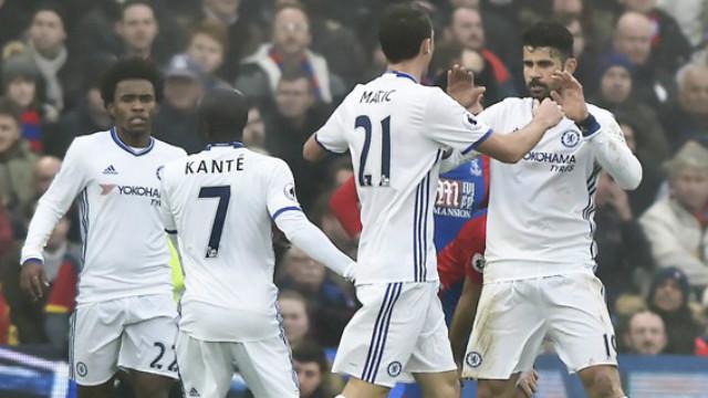 Los Blues se mantienen en la cima, a nueve puntos del escolta Liverpool.