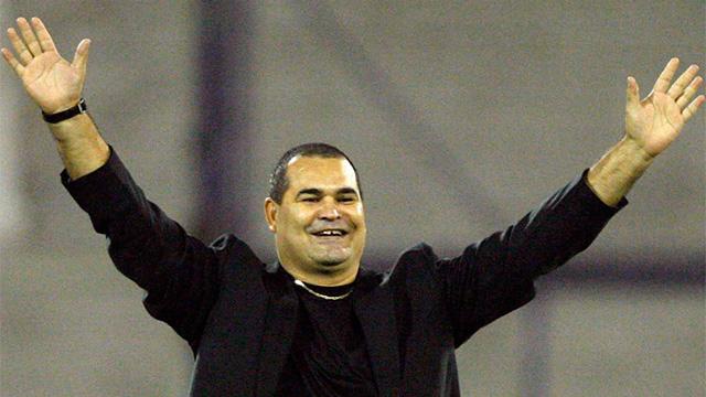 """""""Ramiro cuenta conmigo para pagar la multa, Vélez está contigo"""", posteó Chila."""