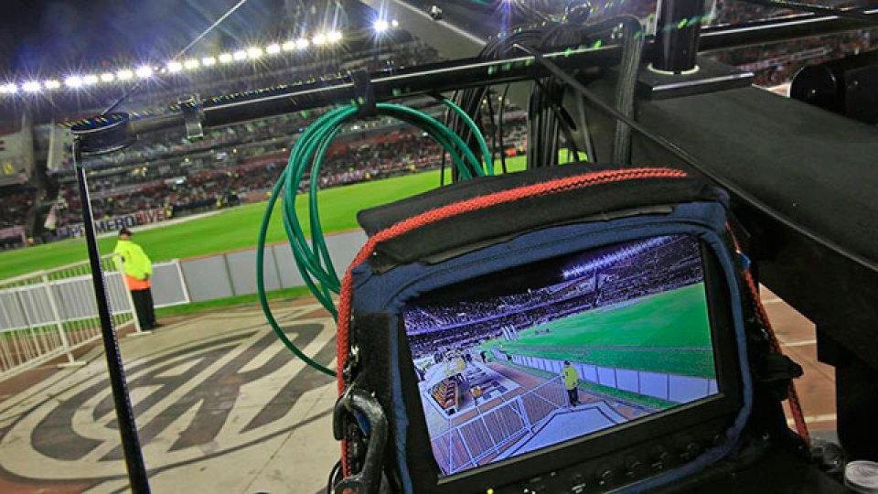 La TV se compromete a pagar pero exige que el fútbol vuelva en septiembre -  Superdeportivo.com.ar