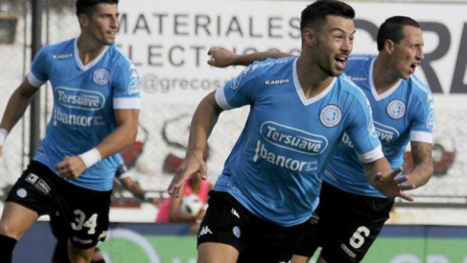 Belgrano goleó a Arsenal en Córdoba.