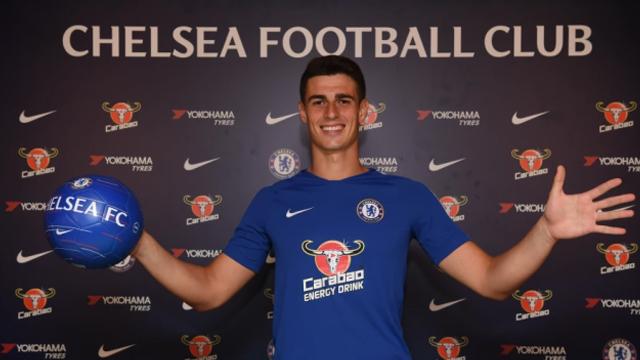 El español, nuevo refuerzo del Chelsea, es el arquero más caro de la historia.