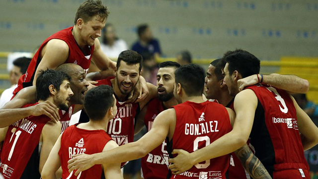 Instituto consiguió, de la mano del Chuzito González, meterse en Semifinal.