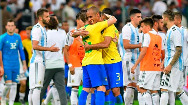 En el segundo minuto de descuento, Argentina se descuidó y perdió ante Brasil.