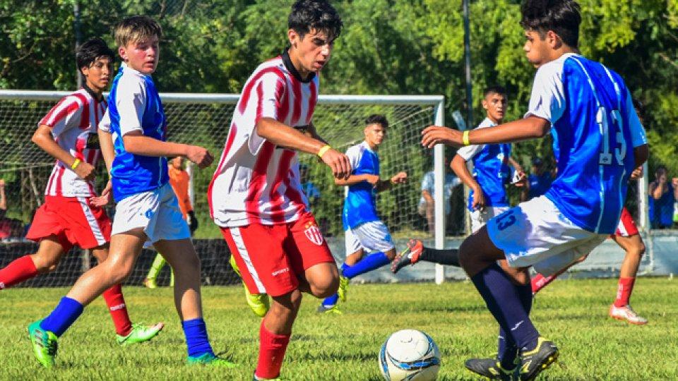 Los chicos disputan el Panamericano.
