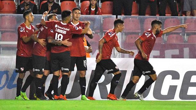 EL Rojo de Avellaneda enfrenta al equipo ecuatoriano.