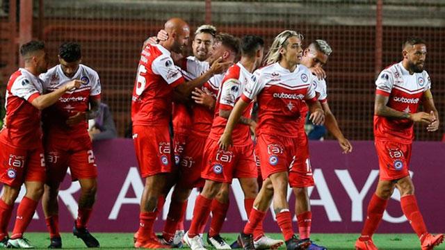 Antes de visitar a Patronato, Argentinos Juniors ganó en su vuelta a las copas.