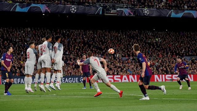 Un gol impresionante convertido por un jugador de otro planeta.