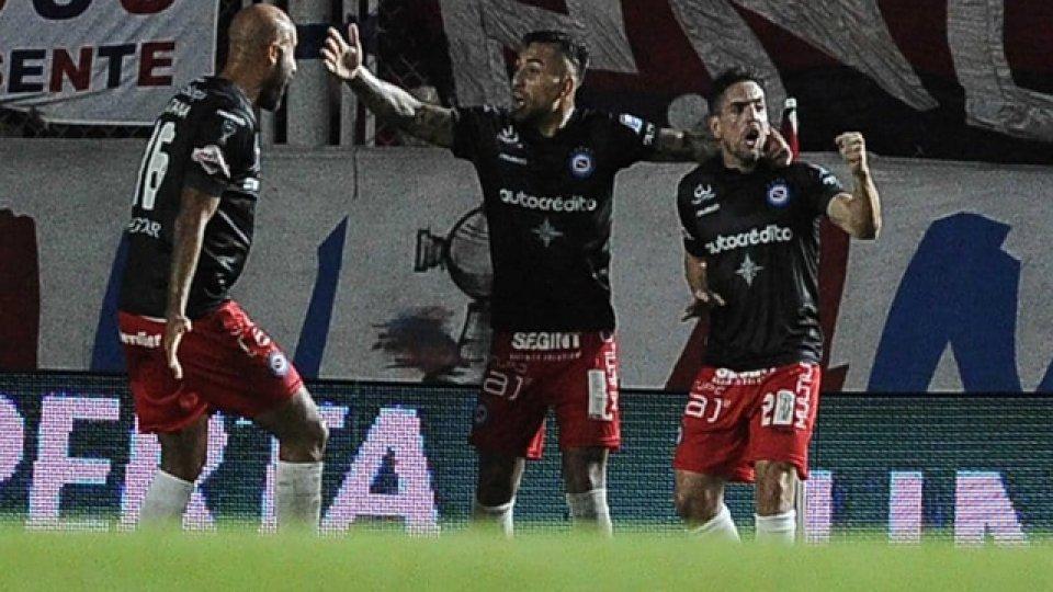 Argentinos Juniors fue sancionado por la Superliga.