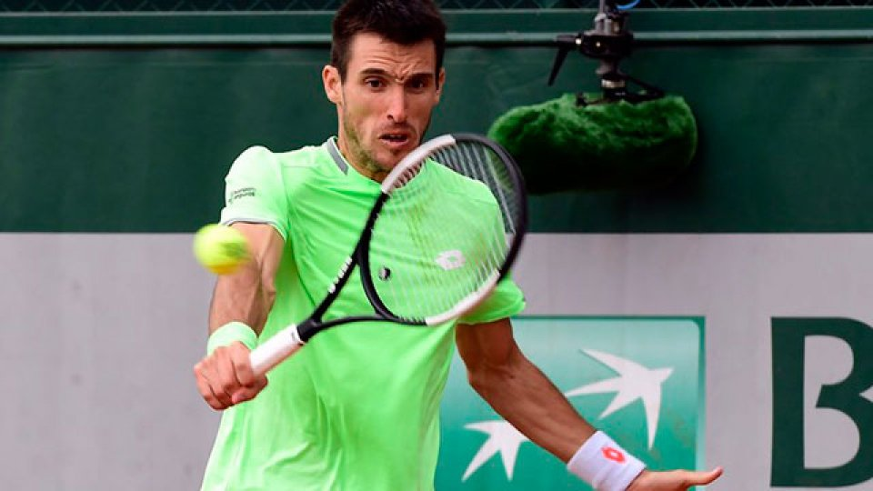 Mayer se quedó con el duelo argentino ante Schwartzman en Roland Garros.
