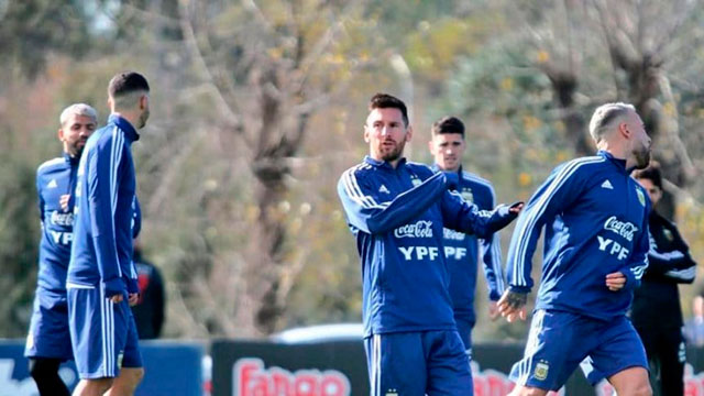 Todos quieren ver a Messi en San Juan y el estadio estará repleto.