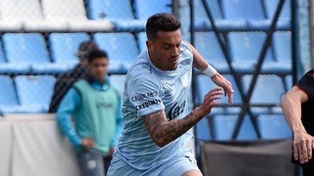 El uruguayo puede jugar de defensor o volante por izquierda.