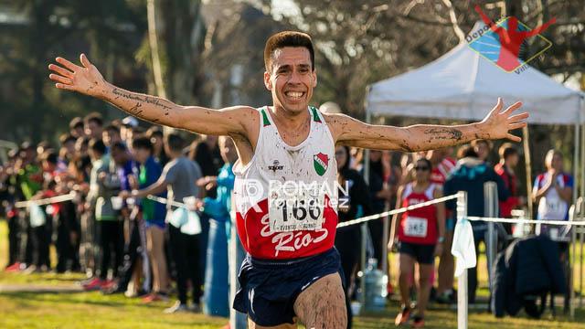 Molina logró el Oro en Cross Country.