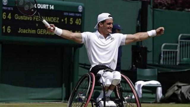 El Lobito Fernández festejó en Barcelona en la previa a Roland Garros.