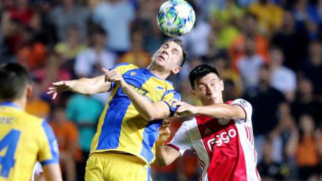 El gualeyo Lisandro Martínez volvió a ser titular en los Amsterdammers.